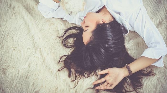 unenägude seletaja juuksed